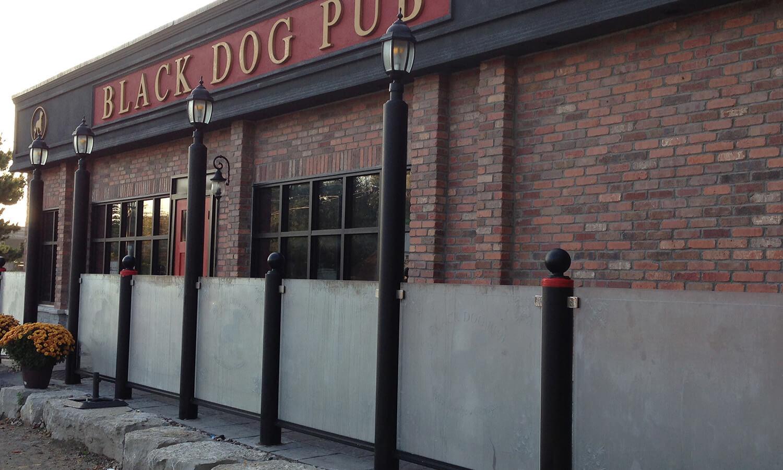 English Pub and Smokestack Restaurant